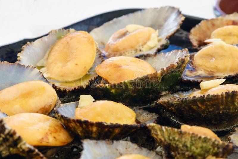 Cucina delle Azzorre I molluschi di Lapas, patelle sono popolari come spuntino in Azzorre fotografia stock libera da diritti