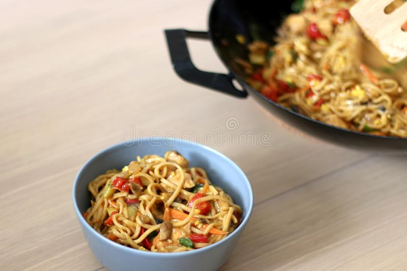 Download Cucina di fusione asiatica immagine stock. Immagine di pranzo - 117978237