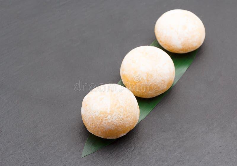 Cucina giapponese Dessert di Mochi fotografia stock libera da diritti