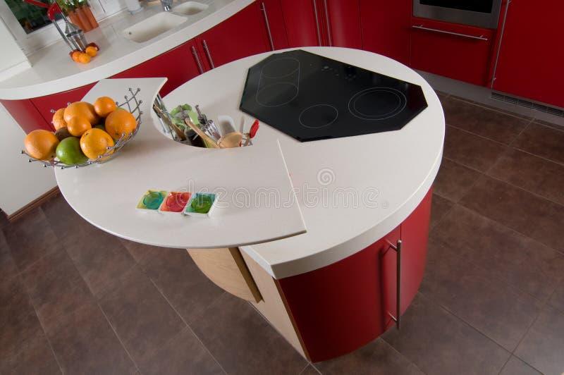 Cucina moderna rossa fotografia stock
