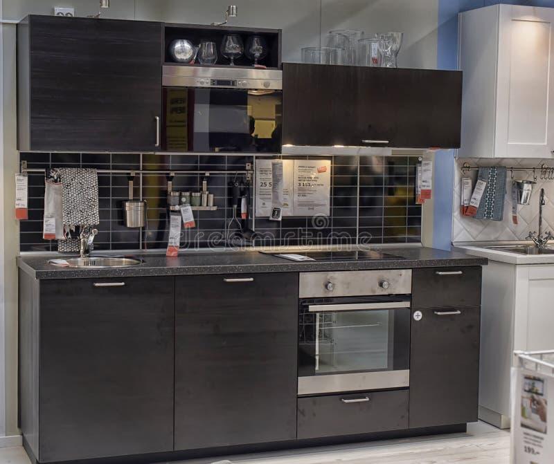Cucina in negozio di mobili ikea fotografia editoriale - Mobili x cucina ikea ...