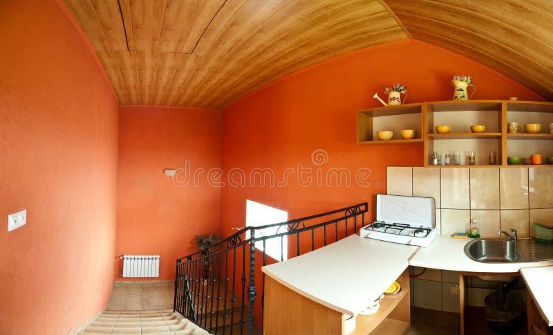 Cucina nel corridoio immagini stock