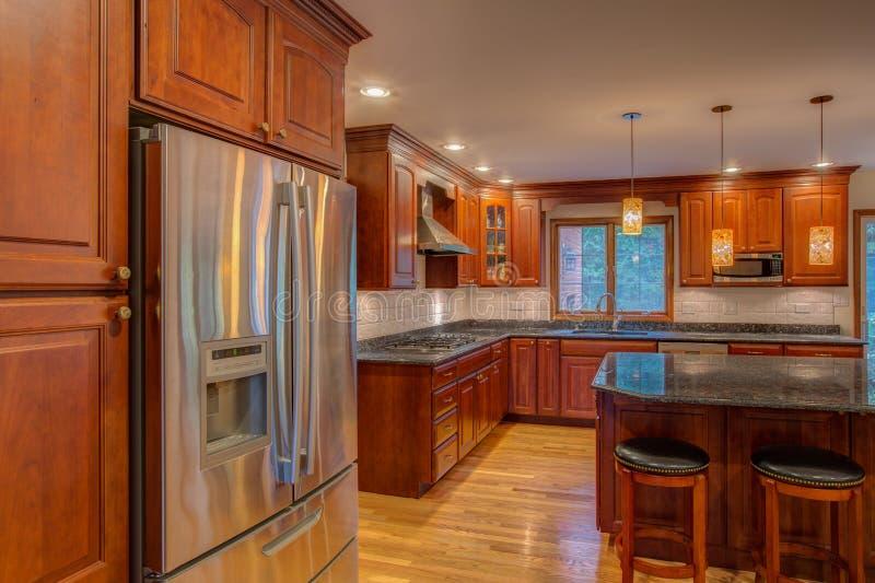 Cucina recentemente rifinita fotografie stock