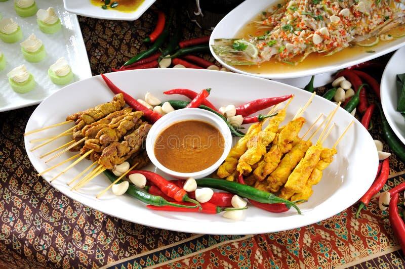Cucina tailandese, pollo Satay, manzo Satay immagini stock libere da diritti