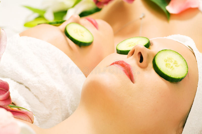 Download Cucumber Beauty Girls In Spa Stock Image - Image: 14109745
