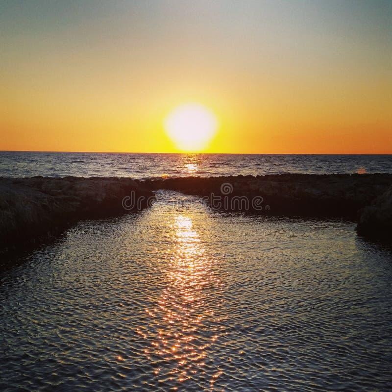 Cud zmierzch na skale w Salento Puglia Włochy zdjęcie royalty free