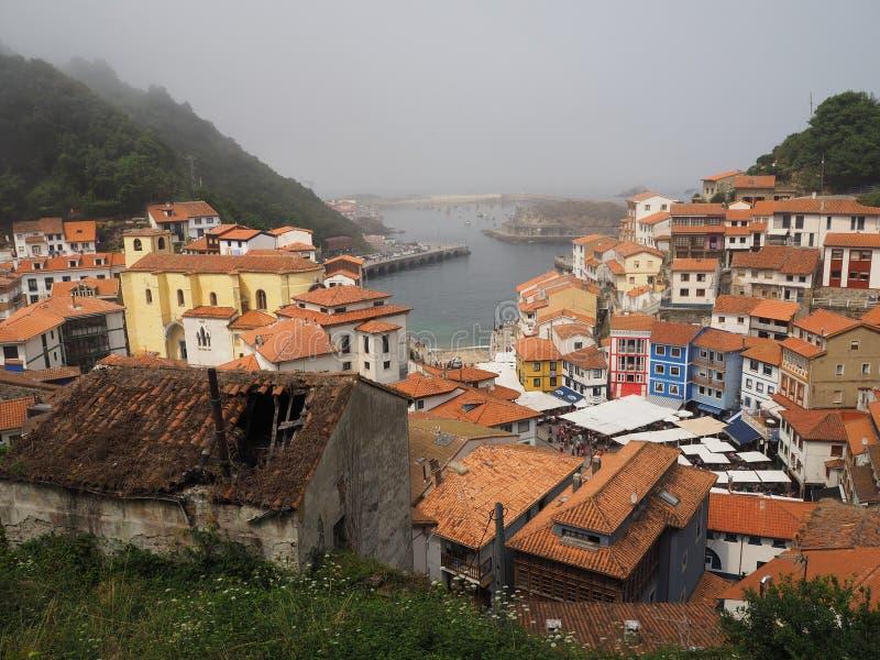 Cudilleiro, paesino di pescatori in Astruias Spagna fotografie stock