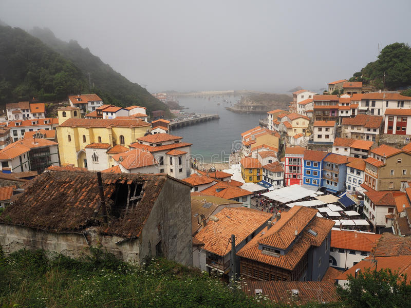 Cudilleiro, visserijdorp in Astruias Spanje stock foto's