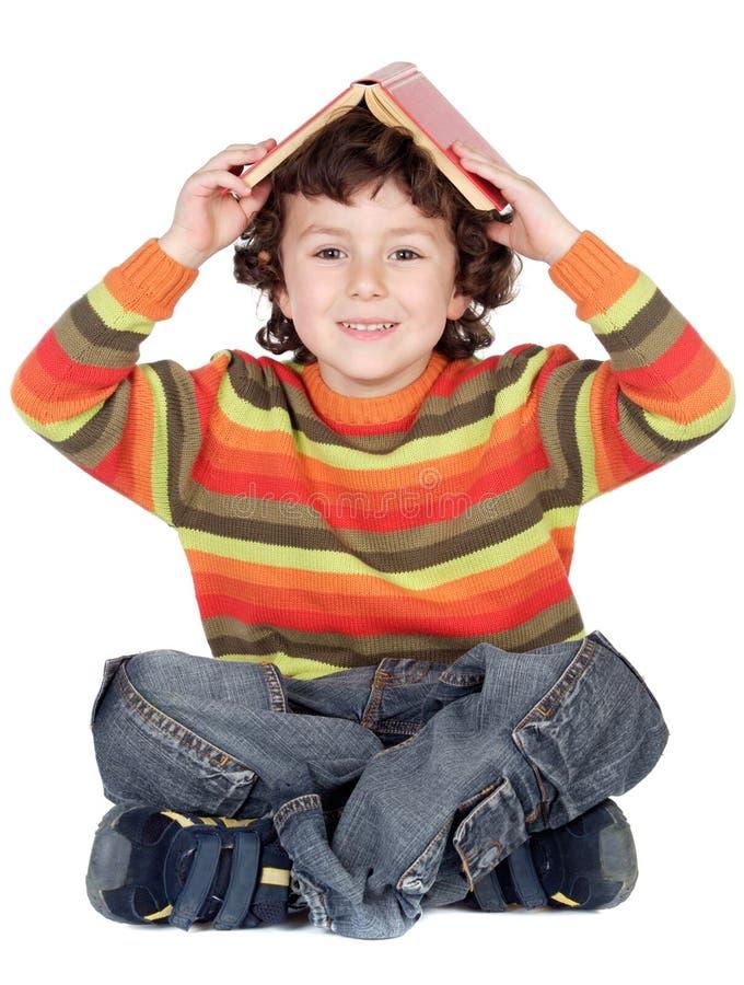cudowny chłopiec uczy się zdjęcie royalty free