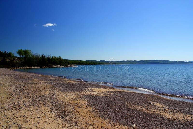 Cudowny letni dzień: Piękny jezioro w Ontario zdjęcia royalty free