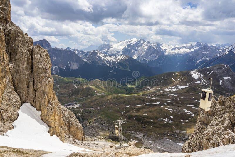 Cudowny widok od Sassolungo dolomity W?ochy obrazy stock