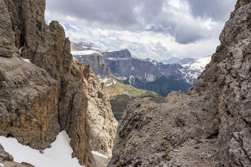 Cudowny widok od Sassolungo dolomity W?ochy obrazy royalty free