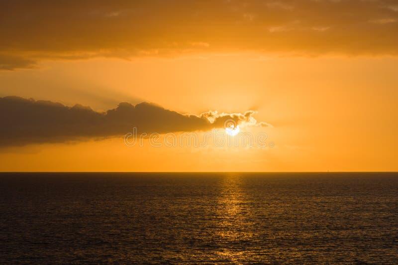 Cudowny zmierzch nad oceanem zdjęcie stock