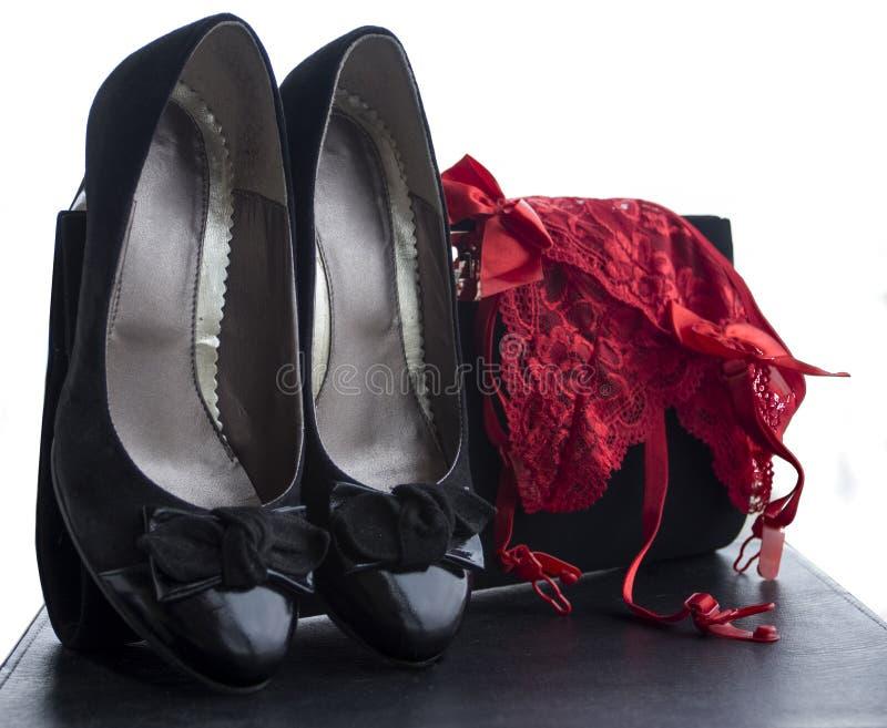 Cuecas das sapatas das mulheres e bolsa 5 imagem de stock