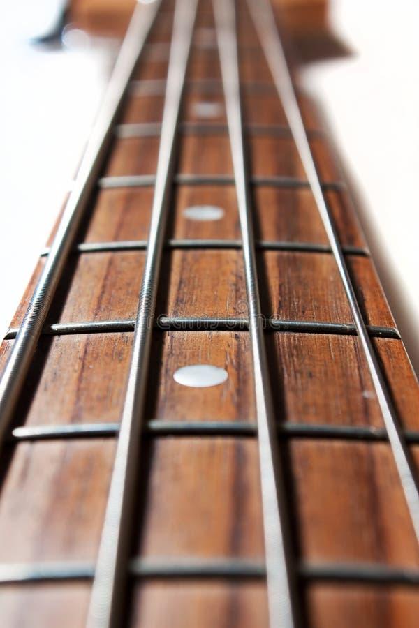 Cuello de la guitarra baja foto de archivo