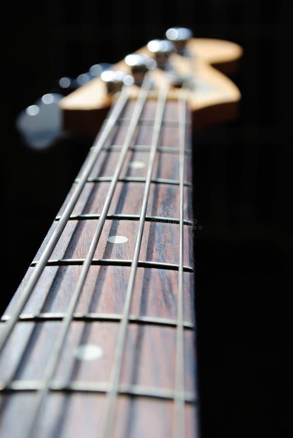 Cuello de la guitarra baja fotografía de archivo libre de regalías