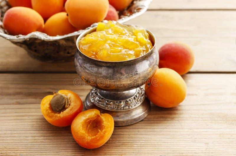 Download Cuenco De Atasco Del Albaricoque Foto de archivo - Imagen de anaranjado, rústico: 42446242