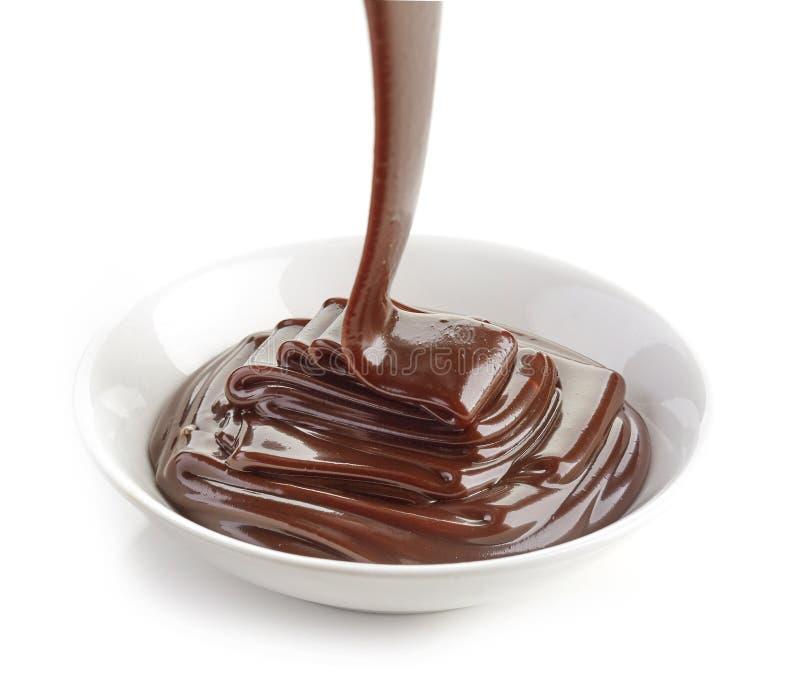 Cuenco de salsa de chocolate fotos de archivo libres de regalías