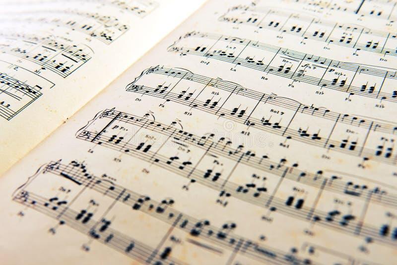 Cuenta abierta vieja de la música fotografía de archivo libre de regalías