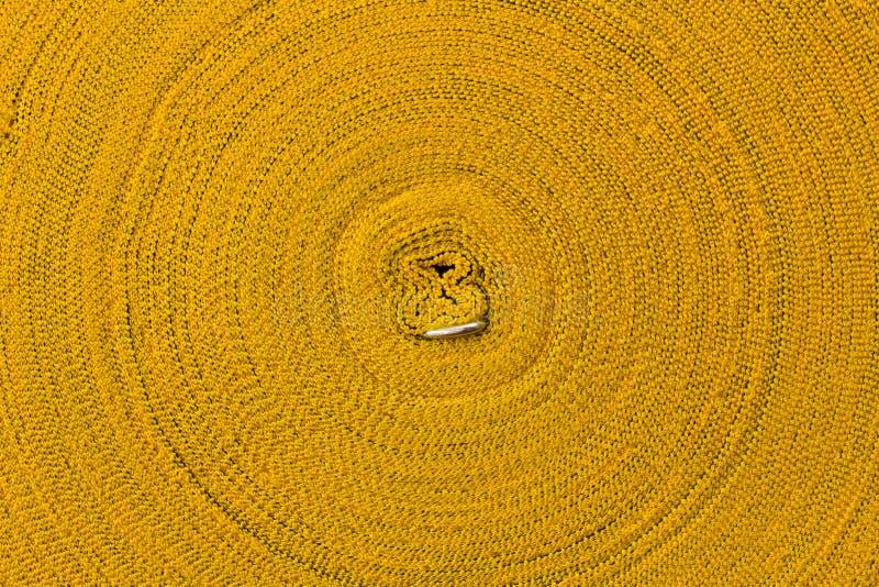 cuerda amarilla del Cierre-rollo fotografía de archivo libre de regalías