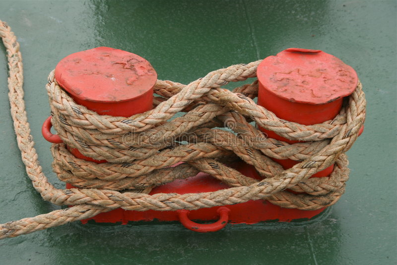 Cuerda de barco fijada fotografía de archivo libre de regalías