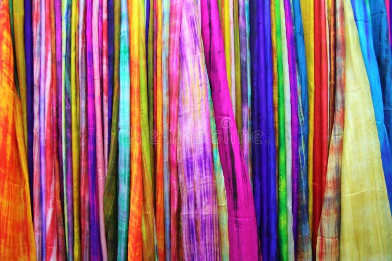 Cuerda de rosca de seda sin procesar colorida fotos de archivo
