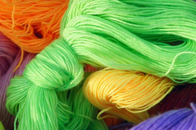 Cuerda de rosca del algodón de Colorized imagen de archivo libre de regalías