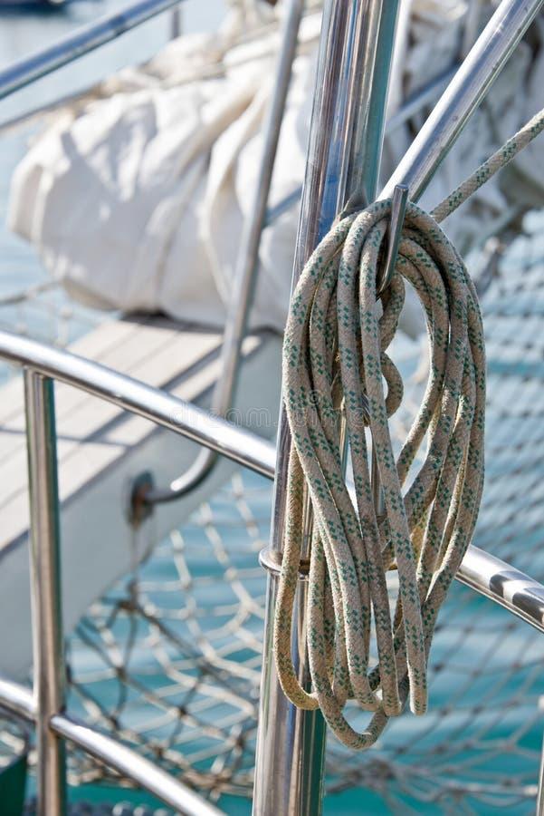 Cuerda en un velero imagen de archivo