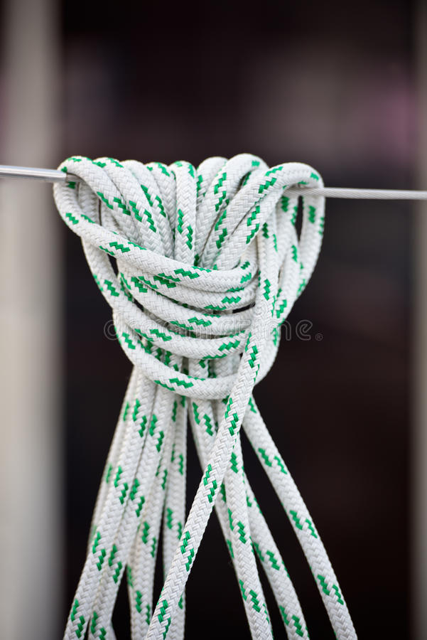 Cuerda náutica de la amarradura fotos de archivo libres de regalías