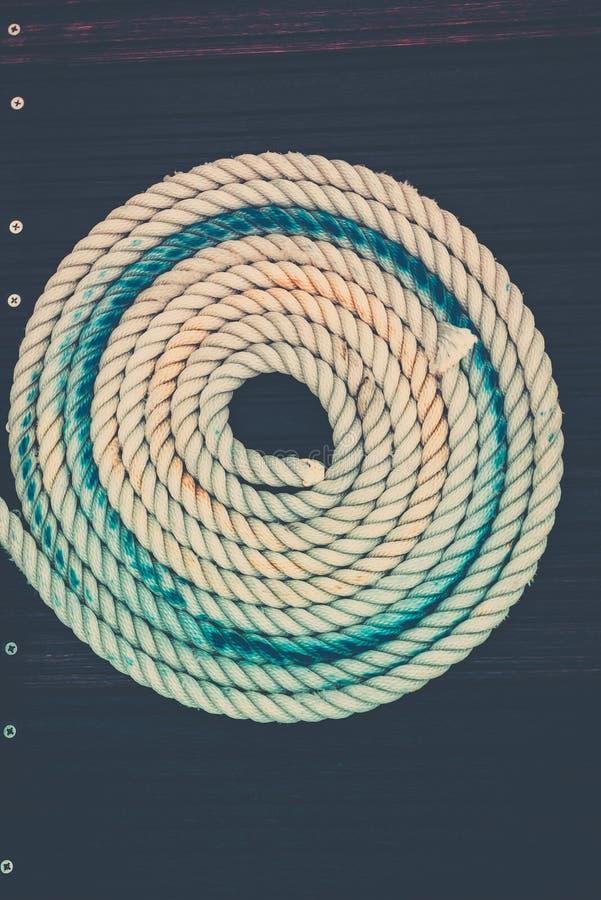 Cuerda náutica de la amarradura imagen de archivo libre de regalías