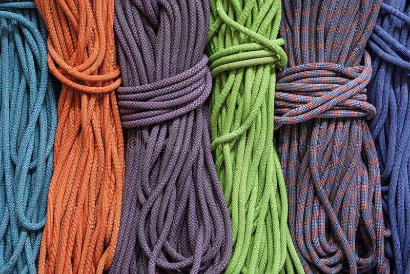 Cuerdas de la escalada imagen de archivo