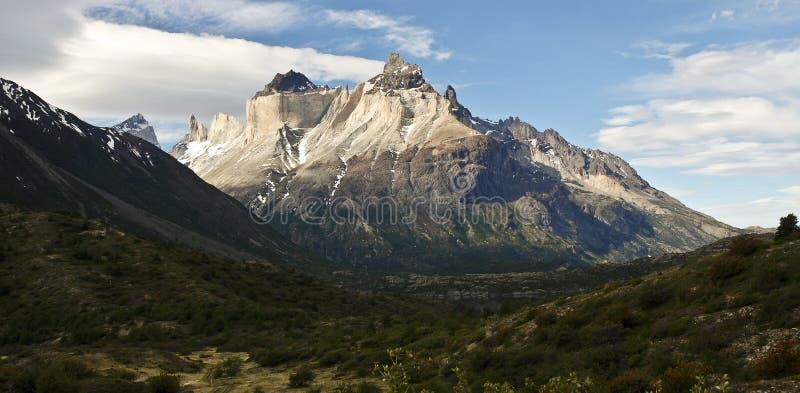 Cuernos del paine de lac Pehoe photographie stock libre de droits