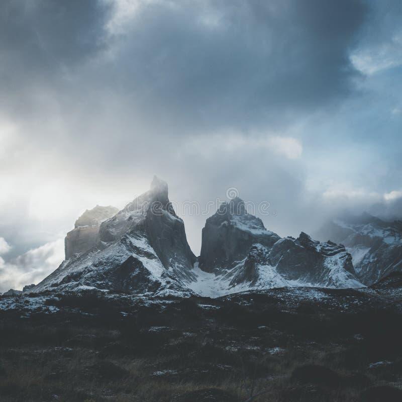 Cuernos Del Paine Peaks stock afbeeldingen