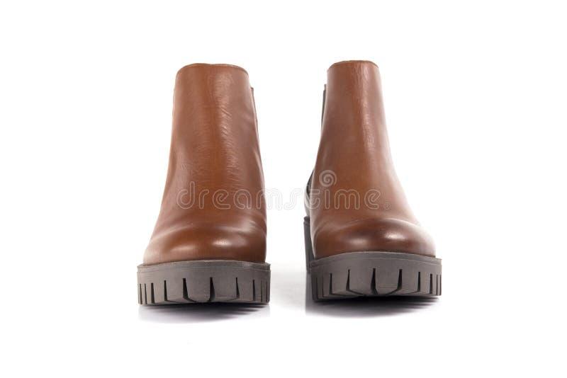 Cuero de zapatos marrón femenino fotos de archivo