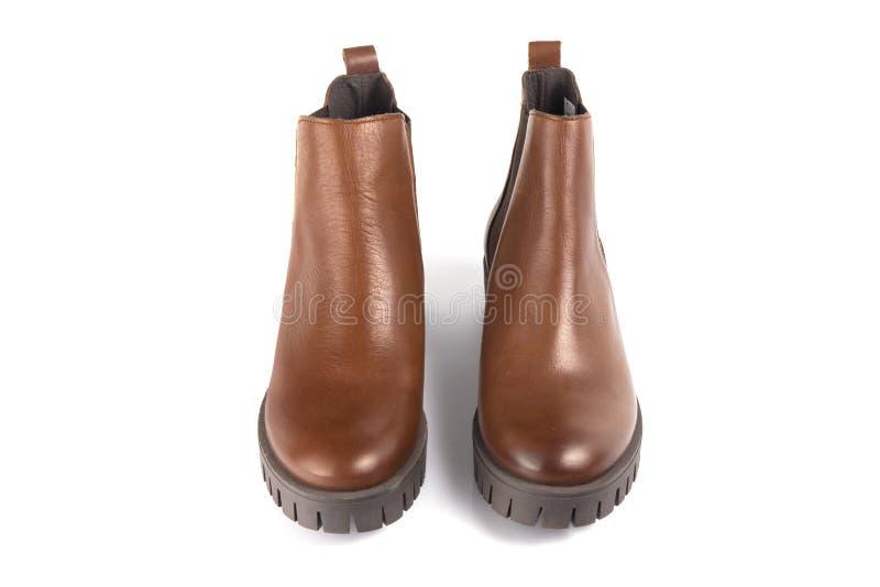 Cuero de zapatos marrón femenino foto de archivo