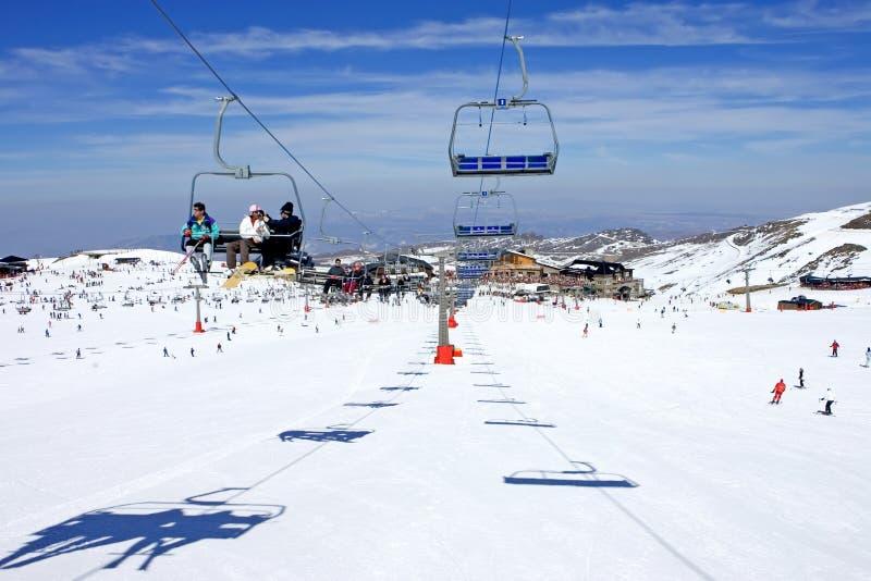 Cuestas del esquí de la estación de esquí de Pradollano en España imagen de archivo libre de regalías