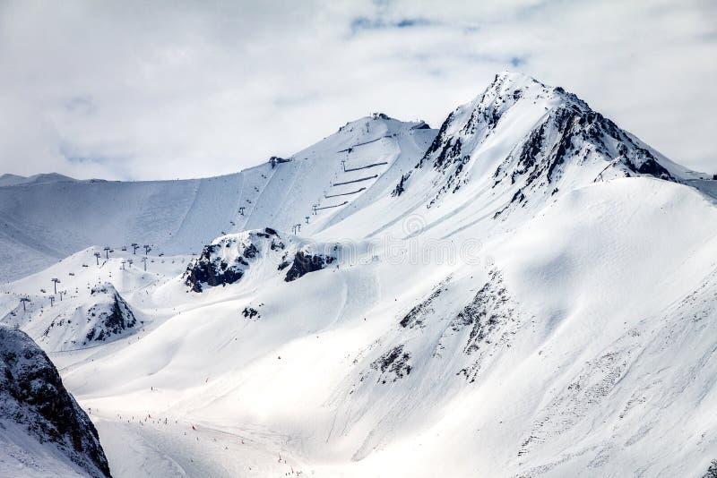 Cuestas del esquí en Ischgl imagenes de archivo