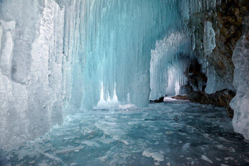 Cueva de hielo imágenes de archivo libres de regalías