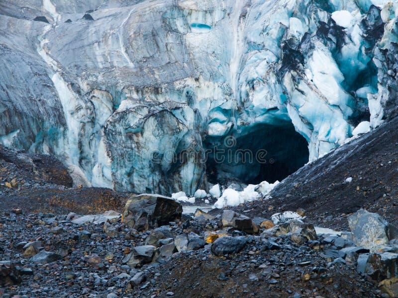 Cueva de hielo del glaciar en Islandia fotografía de archivo libre de regalías