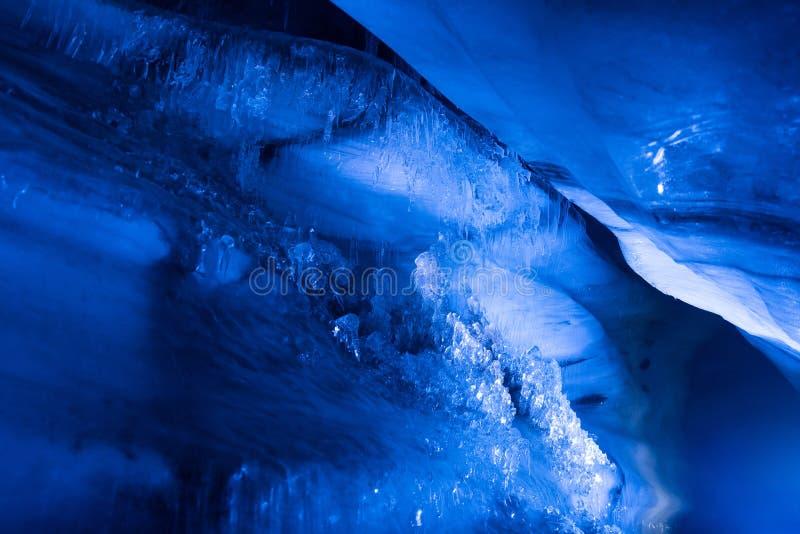 Cueva de hielo septentrional ártica en Noruega Svalbard en la ciudad de Longyearbyen imagen de archivo