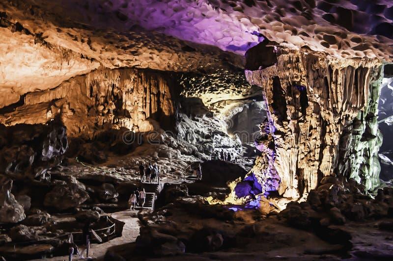 Cueva de la sorpresa imagen de archivo libre de regalías