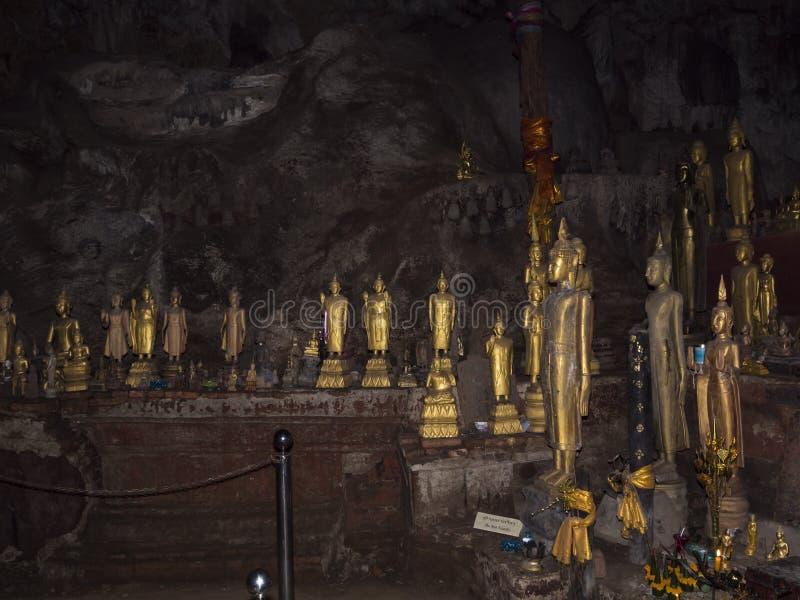 Cueva de Pak U, Laos foto de archivo libre de regalías