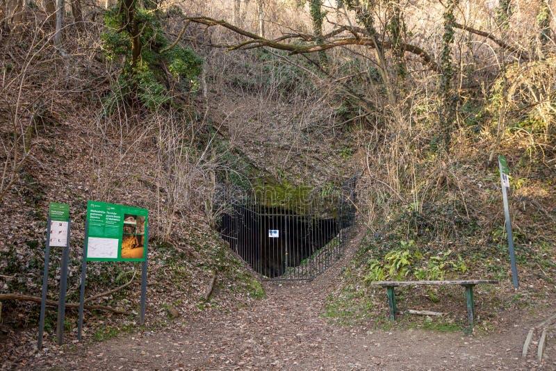 Cueva de Veternica en Medvednica imagen de archivo libre de regalías