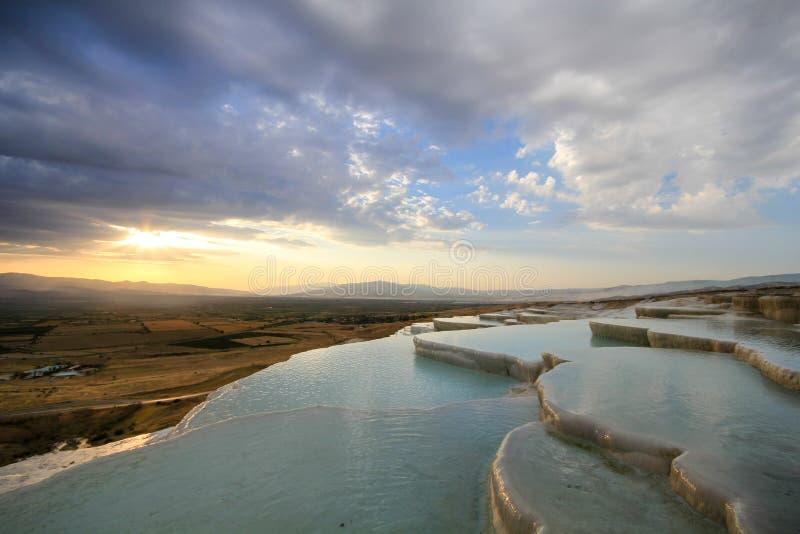 Cueva del algodón en Turquía imagenes de archivo