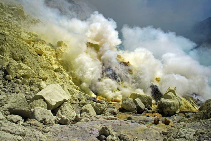Cueva del azufre imagenes de archivo
