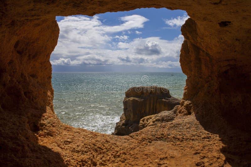 Cueva del océano fotos de archivo