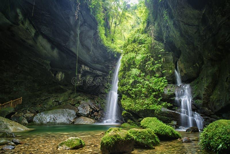 Cueva del palo de Sanmin en el distrito de Fuxing, Taoyuan, Taiwán imagen de archivo libre de regalías