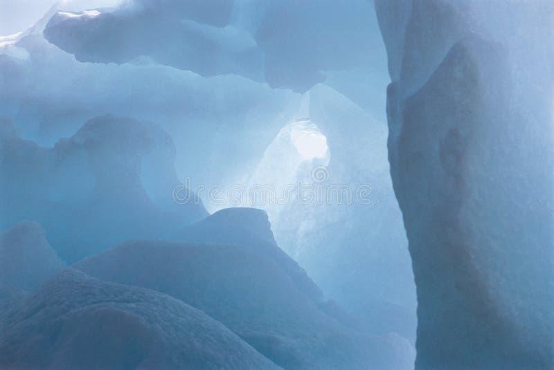 Cueva en hielo fotografía de archivo libre de regalías