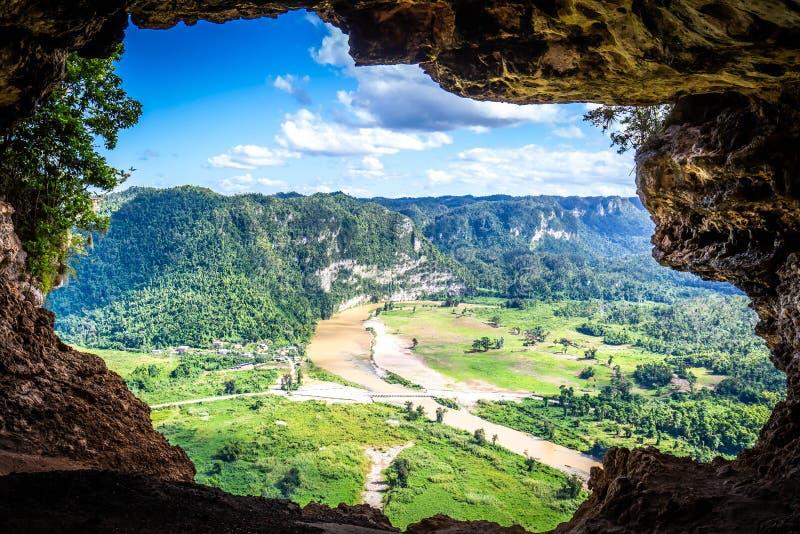 Cueva natural de Cueva Ventana en Puerto Rico imagenes de archivo