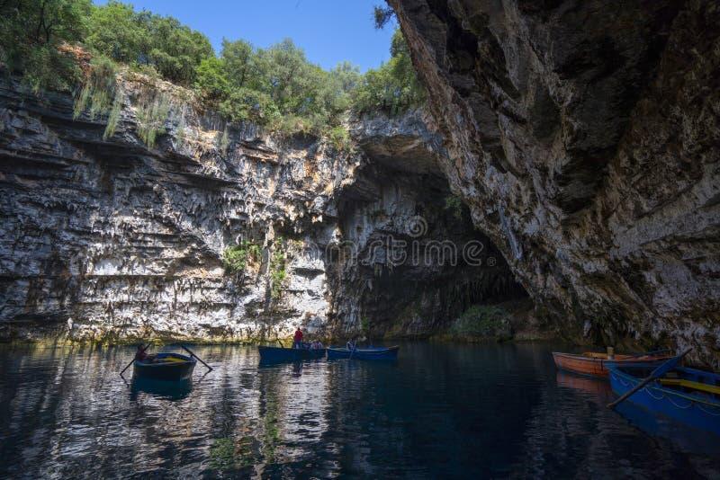 Cuevas de Melissani en la isla Grecia de Kefalonia foto de archivo libre de regalías